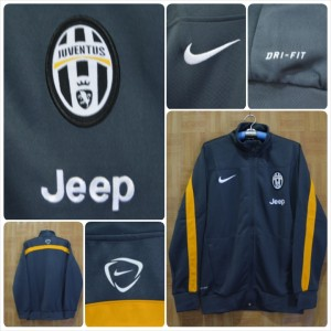 Jaket-training-Juventus-abu-abu-list-kuning-2014-300x300